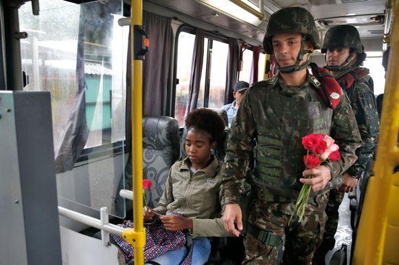 Rosas para elas no Dia da Mulher